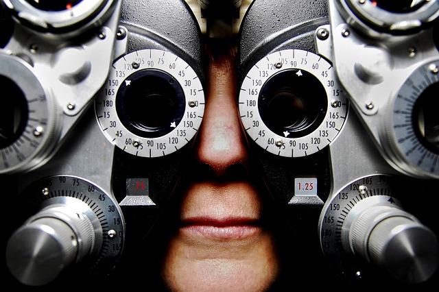 eyeglasses-679696_640