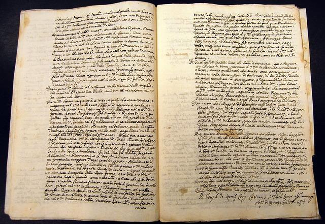 manuscript-547042_640